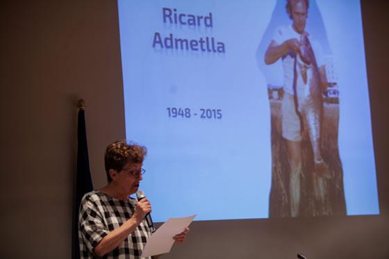 El homenaje al campeón de Cataluña 1986 Ricard Admetlla fue recogido por su mujer Mercedes Delclos. Mercedes leyó unas preciosas y emotivas palabras dedicadas a su difunto marido y a su hijo.